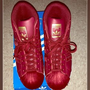 DARK RED/BURGUNDY HI TOP ADIDAS SZ 7Y